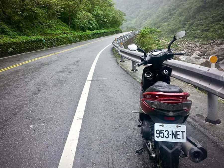 Scooter-Bike-Rental-Taroko-Gorge