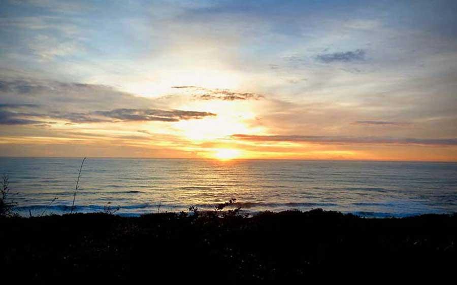 Hualien-Sunset-from-window