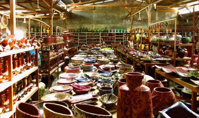 Banyemullek pottery collection