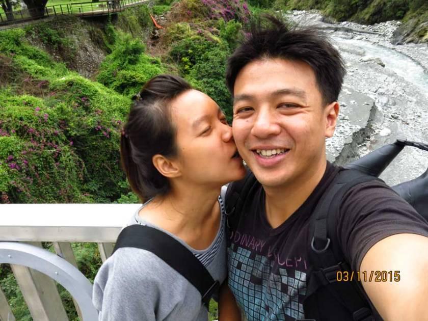 marriedtraveller travelling together