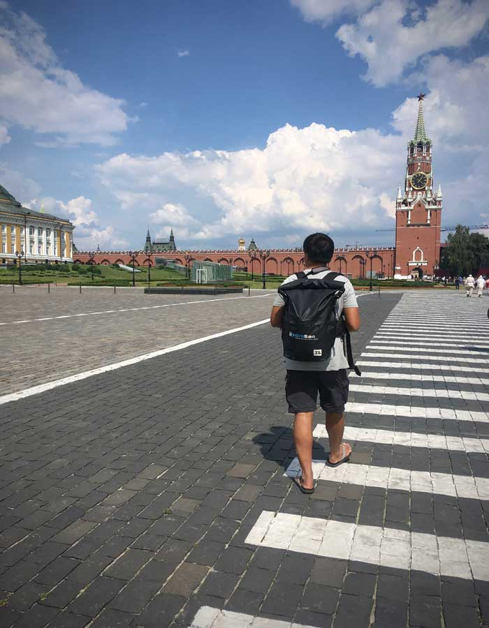 Walking-within-Kremlin
